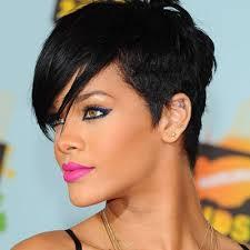 Rihanna sports a sexy short black do