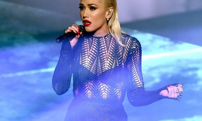 2EB6192700000578-0-Gwen_Stefani_put_on_an_emotional_performance_as_she_sang_Used_To-m-28_1448247462372